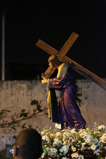 missa-e-procissao-na-igreja-bom-jesus-dos-passos-arautos-do-evangelho-1-2