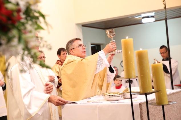 missa-e-procissao-na-igreja-bom-jesus-dos-passos-arautos-do-evangelho-1