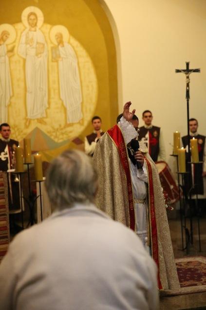 missa-e-procissao-na-igreja-bom-jesus-dos-passos-arautos-do-evangelho0-1-3